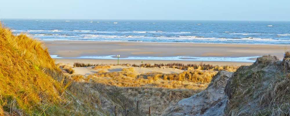 Botkum Urlaub Blick vom Steilufer auf den Strand